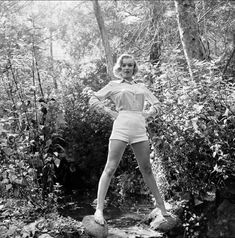 """""""Who the hell is Marilyn Monroe?"""" In this is what Life wanted to know. Photographer Ed Clark had photographed the budding starlet in Los Angeles' Griffith Park, and sent his prints to the publication. Fotos Marilyn Monroe, Young Marilyn Monroe, Marylin Monroe, Vanity Fair, Makeup News, Griffith Park, Young Actresses, Norma Jeane, Iconic Women"""