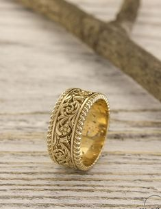 Unique gold wedding band with flowers and leaves, Unusual nature ring, Filigree gold wedding band, Unique womens wedding band, Gift for her – Johanna Meyer