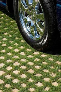 Grass and concrete landscaping ideas, outdoor tiles