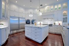 DELUXE Kitchens - transitional - Kitchen - Other Metro - DELUXE Design & Construction