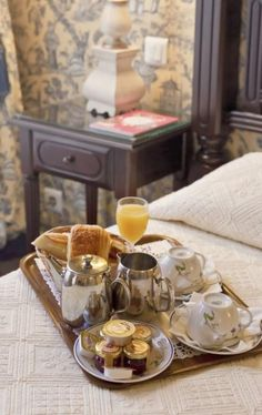 Ideas Breakfast In Bed Hotel For 2019 Bed & Breakfast, Breakfast Recipes, Mothers Day Breakfast, Cream Recipes, B & B, Afternoon Tea, Tea Time, Slow Cooker, Cooking