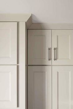 Elegant Modern Crown Molding for Kitchen Cabinets