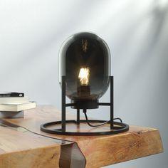 Bordlampe med tre bein Regi Decor, Furniture, Lighting, Lamp, Novelty Lamp, Table, Home Decor, Mirror