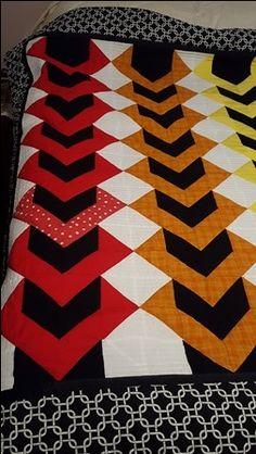 Quilts, Blanket, Pattern, Design, Quilt Sets, Patterns, Blankets, Log Cabin Quilts, Model