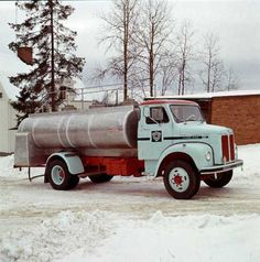 1963 Scania-Vabis L36tanker