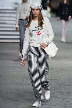 Chanel Resort 2019 Paris Collection - See the Full Collection: @Italiaposterl      Vogue.