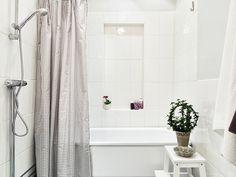 simple white bathroom (viastadshem) #bathroom #decor #home #ideas