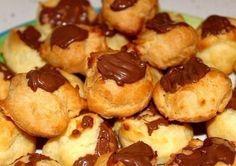 Custard cakes with chocolate
