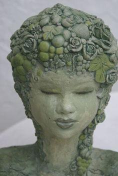 Skulptur,Gartenskulptur, Frühling, Rosen, Shabby von Mandagora auf DaWanda.com