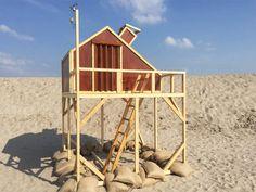 (urban campsite amsterdam offers sculptural habitats for an art/sleep experienceから)