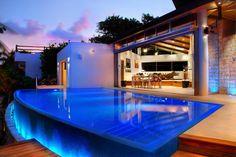 Preciosa Villa inteligente en venta Playacar Fase I Playa del Carmen Casas en Venta y Renta en Playa del Carmen - York Properties
