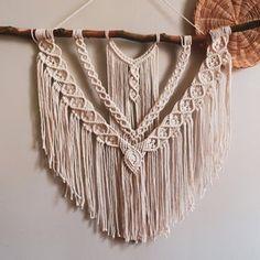 Angel Wings Pattern/Tutorial   Etsy Macrame Plant Hanger Patterns, Macrame Wall Hanging Patterns, Large Macrame Wall Hanging, Macrame Patterns, Craft Patterns, Nudo Simple, Knots Guide, Macrame Owl, Macrame Design