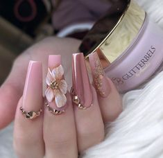 French manicures have many options, and even minor changes can give your nails a completely different look. Before you use acrylic nails, you need to make sure the nail bed is clean and dry. French nails are done in several colors. Bling Nails, 3d Nails, Glitter Nails, Gold Glitter, Rhinestone Nails, Cute Acrylic Nails, Acrylic Nail Designs, Nail Art Designs, Nails Design