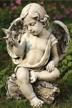 Joseph Studio Cherub Angel with dove garden statue