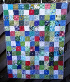 https://flic.kr/p/DZAvYb | 16 Top 2014 | A finishe dquilt with blocks I received in 2014 from hive 12 of Stash Bee