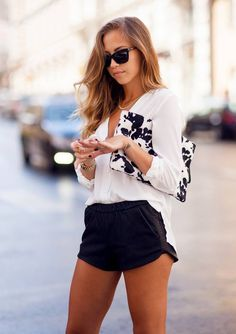 Today's Outfit « Kenzas by Kenzas. Discover and shop the latest women fashion, celebrity, street style, outfit ideas you love on Passion For Fashion, Love Fashion, Womens Fashion, Fashion Trends, White Fashion, Fashion Bloggers, Fashion Beauty, Mode Outfits, Casual Outfits