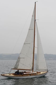 """Glendhu"" sailing - Glendhu is a rather unusual Glen Class yacht with a extension of her counter. Great to find another Mylne yacht ! Sailing Girl, Sailing Outfit, Sailing Ships, Sailing Boat, Sailing Knots, Sailing Dinghy, Classic Sailing, Classic Yachts, Classic Boat"