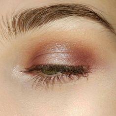 Makeup Eyeshadow Glitter Rose Gold Make Up 27 Ideas Makeup Goals, Makeup Inspo, Makeup Inspiration, Makeup Ideas, Fashion Inspiration, Easy Makeup, Makeup Kit, Spiritual Inspiration, Makeup Tutorials