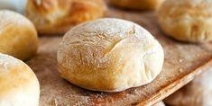 Vous n'avez qu'à combiner 6 ingrédients dans votre mijoteuse pour obtenir une heure plus tard un savoureux pain maison - Recettes - Ma Fourchette C'est Bon, Croissant, Crockpot, Biscuits, Sandwiches, Recipies, Muffin, Bread, Dishes
