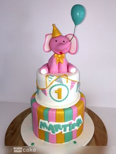Your Cake. Tarta fondant Elefante rosa