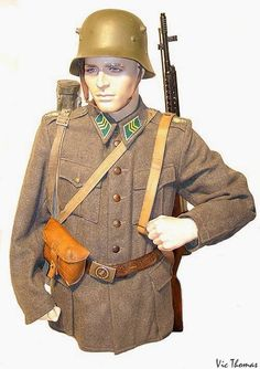 World War II Uniforms -Finland - A Finnish trooper assigned to the KevOs 2 Infantry Regiment in late 1941