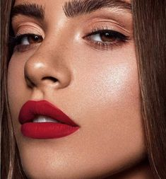 rote lippen neutrale augen … … red lips neutral eyes up … – Neutral Eye Makeup, Neutral Eyes, Makeup For Brown Eyes, Red Lipstick Makeup, Skin Makeup, Matte Lipstick, Red Lipsticks, Dark Lips Makeup, Red Lipstick Looks