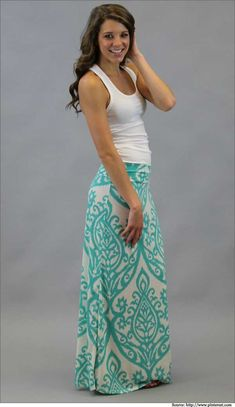 Casual chic – ideal for everyday summer style  #maxiskirts #longskirts
