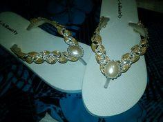 Sandalia decorada $150