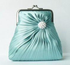 A=) aqua clutch Vintage Purses, Vintage Bags, Vintage Handbags, Clutch Purse, Coin Purse, Shades Of Turquoise, Turquoise Purse, Beaded Purses, Tiffany Blue