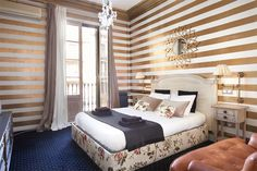 Beautifully luxurious apartment on Paseig de Gracia for up to 10 people.