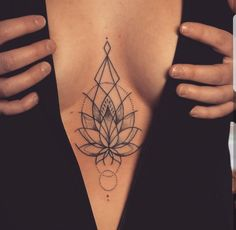 Lotus Tattoos are very unique and inspiral to many people in many societies. Mostly women or girls select Lotus tattoos as their top designs among many designs. Trendy Tattoos, Sexy Tattoos, Unique Tattoos, Cute Tattoos, Body Art Tattoos, Small Tattoos, Tatoos, Foot Tattoos, Lotusblume Tattoo