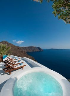 """The Architect's Villa"" in Imerovigli (Santorini) with majestic volcano and caldera views"