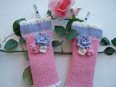 Guanti senza dita a maglia-Mezzi guanti fatti a mano ai ferri-Manicotti in lana rosa,lilla e bianco-Scalda polsi tricot : Mezziguanti, guanti di i-pizzi-di-anto