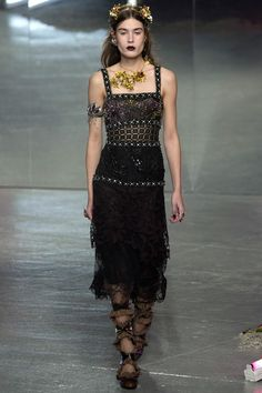 See the complete Rodarte Fall 2016 Ready-to-Wear collection.