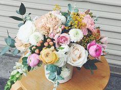 Deliveries. 💐 #valleybrinkroad #vbrflowers #flowerdelivery #florist #laflorist #floraldesign #losangeles