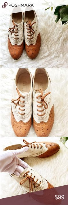 Barney's NY color two tone leather oxfords 👞 37 🌷beautiful barney's New York genuine leather two tone color oxfords size 37 made in Italy. Only worn 2 times. Retail $398 plus tax. This is very true to size and very timeless style.  Light beige leather with brown color contract leather upper, sole and bottom. Super stylish And comfy! Barneys New York Shoes Flats & Loafers