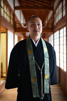 Yökylässä japanilaisten munkkien luona