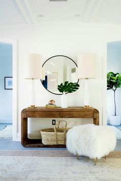 Here are amazing multi-purpose entryway storage hacks, solutions, and ideas that will keep your home's first and last impression on-point. Tag: small entryway ideas narrow hallways, small entryway ideas apartment, small entryway ideas in living room. Decor, Furniture, Home Decor Inspiration, House Design, Small Entryways, Interior Inspiration, Home Decor, House Interior, Interior Design