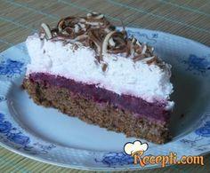 Recept za Tortu sa malinama i kupinama. Za spremanje poslastice neophodno je pripremiti čokoladu, margarin, jaja, šećer, prašak za pecivo, lešnik, kupine, maline, puding, rum, slatku pavlaku.