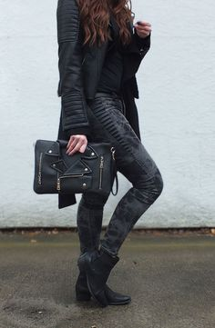 Black on black with my beautiful bag! :-)