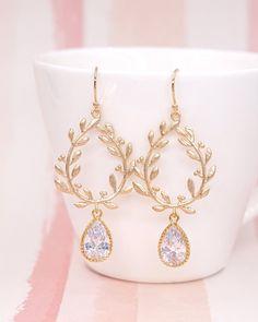 Laurel Wreath Earrings, Gold jewelry, bridal brides bridesmaid earrings, cubic zirconia teardrop, www.glitzandlove.com
