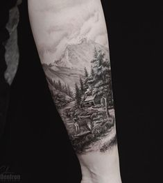For many people favorite tattoos are black, they look more serious and mystical. It is a personal impression and it must not be accurate. Trendy Tattoos, Popular Tattoos, Small Tattoos, Tattoos For Guys, Tattoos For Women, Cool Tattoos, Natur Tattoo Arm, Natur Tattoos, Tattoo Designs