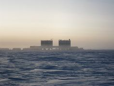 The Concordia Research Station _ Antarctic Plateau in Antartcica Kansas Usa, End Of The World, Willis Tower, Research, Journey, Building, Places, Weather, Base