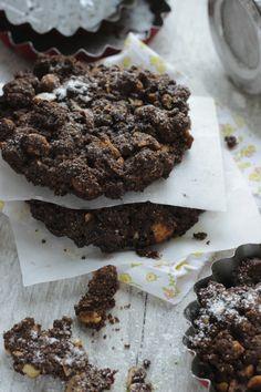 Torta sbrisolona con cacao e nocciole