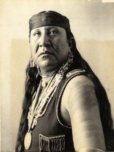 Portrait of Tskararalisin by Wisconsin Historical Images, via Flickr