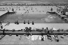 The pools along the Sea Point coast have an interesting history in that for decades people have enjoyed bathing. Today there is still the Milton Pool. Johannesburg Art Gallery, University Of The Witwatersrand, Advertising Photography, Historical Pictures, Old Pictures, Artist At Work, Black And White Photography, Places To See, Swimming