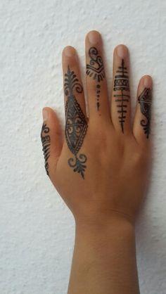 Practicing my henna tattoos :)