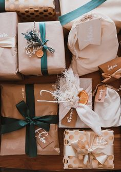 Mes emballages cadeaux de Noël 2020 - Pauline Dress - Blog Mode, Lifestyle et Déco à Besançon Pauline Dress, Furoshiki, Wraps, Gift Wrapping, Rustic, Lifestyle, Etsy, Blog, Christmas