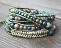Bracelet en cuir Wrap perlée de vert olive, trois Wrap, Wrap quatre, Earth Tone perles, Herringbone Stitch