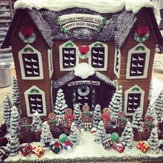 This homestead the whole family will enjoy. | 19 Gingerbread Houses That Are Nicer Than Your Actual House